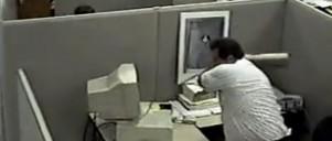 Sur mand i cellekontor