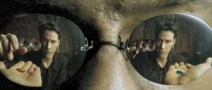 Neos reklektion in Morpheuses solbriller